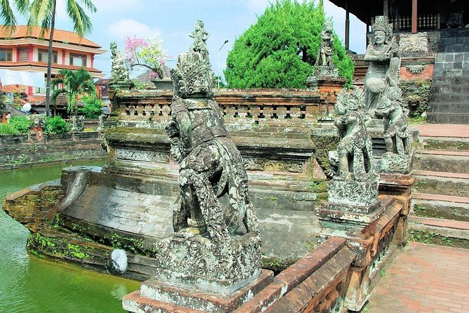 1 DAY Besakih Temple & Pungripuran Village / Private Tour 8 Hours Curtagosa Old Courthouse, Rice Terrace, Tukachupon Falls etc./English/Japanese driver included
