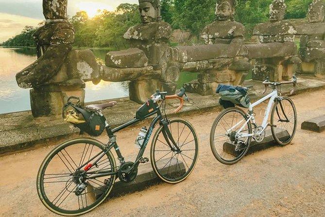 Angkor Wat & Bayon: the Smiling Temple Bike Tour