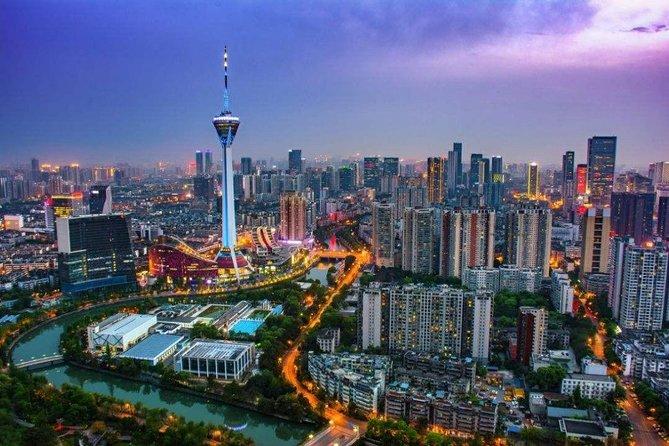 Private Chengdu Illuminated Night Tour with Radio and TV Tower