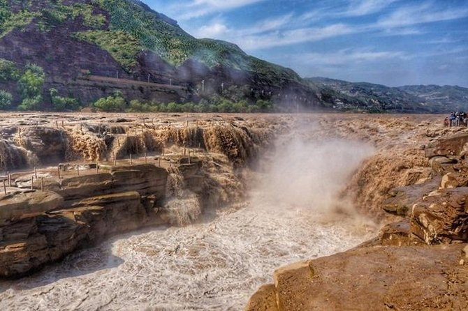 Private Day Tour:Shaanxi Yellow River Hukou Waterfalls and Muslim Quarter