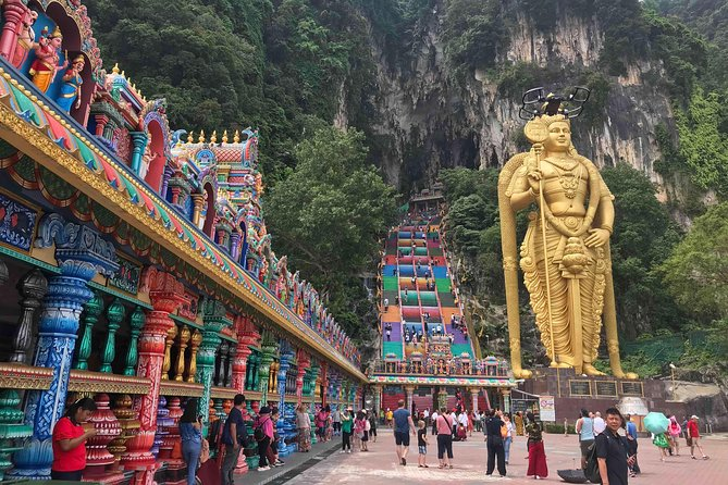 KL & Genting Highlands 13 Hours Flexible Day & Night Car Tour