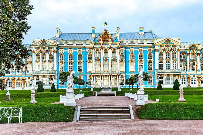 2-day private tour of St.Petersburg with Faberge Museum and boat cruise