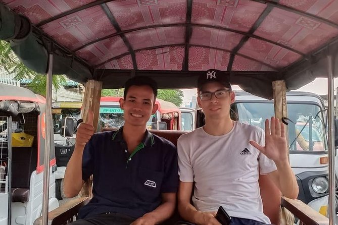 Pick up/Drop off at Airport by Khmer Tuktuk