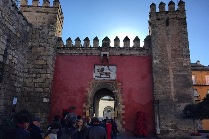 Exclusive entrance in Seville Guided tour to Alcázar