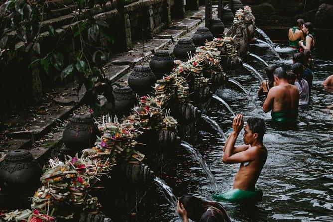 Full-Day Rafting Adventure in Melangit River and Tirta Empul and Tegenungan Tour