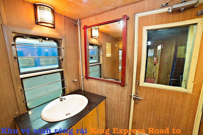 Hanoi Sapa overnight train photo 2