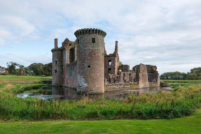 Full Day Tour of Scotland: Whisky, Castle and Burns from The Lake District