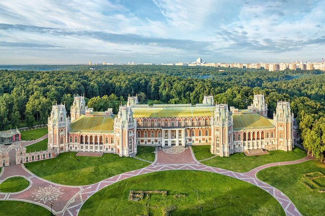Summer Czar Estates: Kolomenskoe (UNESCO) and Tsaritsino (by car)