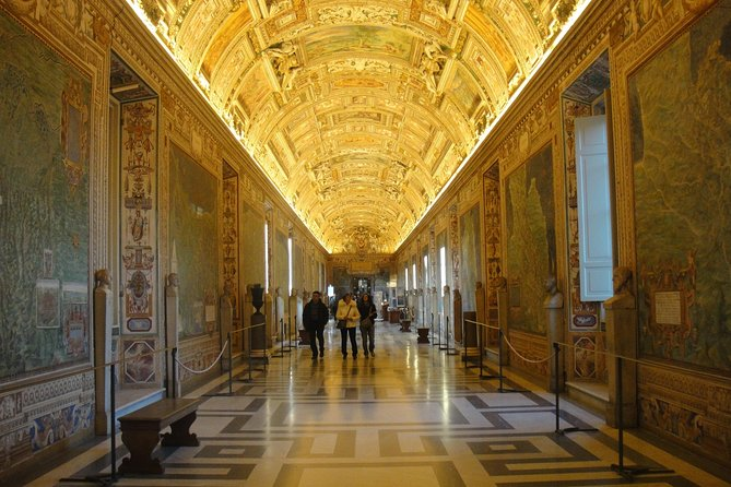 Evening tour of the Vatican Museums, Raphael Rooms and Sistine Chapel