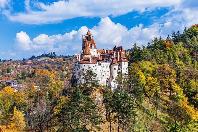 Trip to Peles and Dracula's Castle with Overnight in Brasov