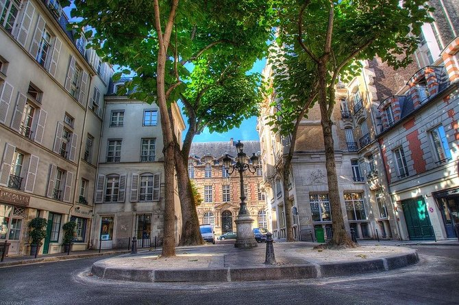 Private Tour: Paris Sights and Bites