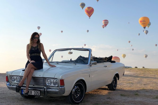 classic car photo shooting with balloons