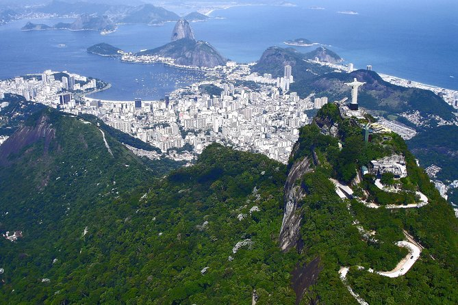 Private Helicopter Tour over Rio - 03 people - 60 minutes