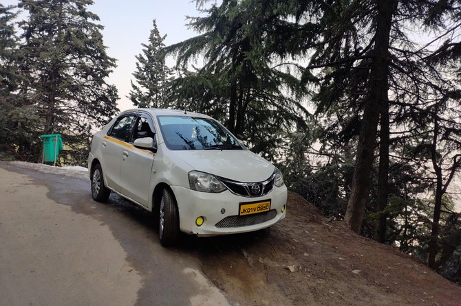 Srinagar to Pahalgam taxi return journey