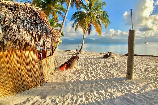 "3D/2N Private Cabin on hidden San Blas Island PLUS ""Money Heist"" Day Tour"