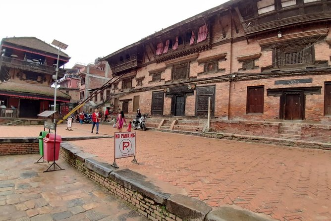 Explore Entire Kathmandu City by Comfortable Private Car