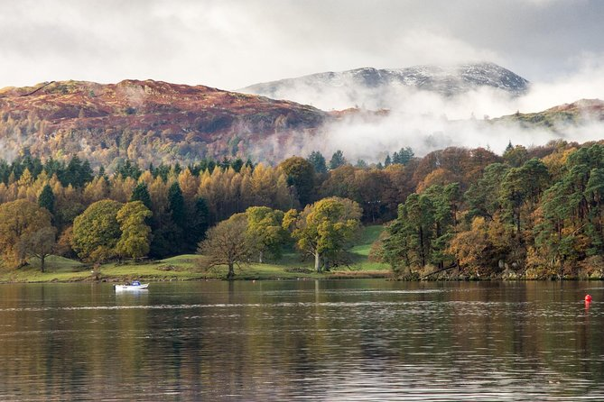 Stunning Scenic Tour: Half Day, Private Lake District Tour for 8