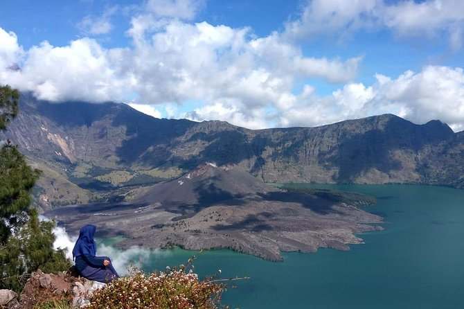 The Best Rinjani Crater Rim Trekking Trip 2 Days