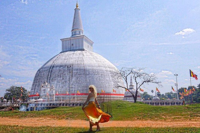 Visit the Sacred City of Anuradhapura and Mihintale