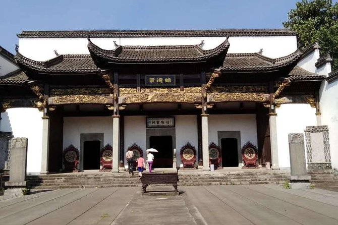 Private 3-day Tour to Jingdezhen & World Natural Heritage - Sanqingshan