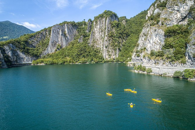 Canoe or stand up paddle tour with guide