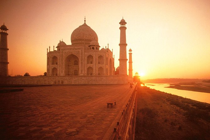 Guided Taj Mahal at Sunset With Abhaneri Step Well & Agra Fort Tour From Jaipur