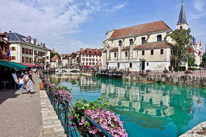 ANNECY | Private Walking Tour of Annecy's Historical Center