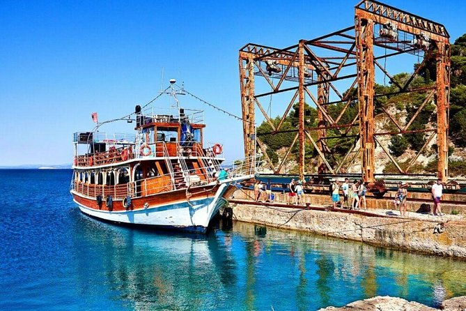 Vlora, Boat Day Tour