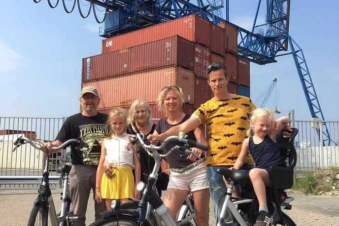 Rotterdam Harbor Bicycle tour with boat trip