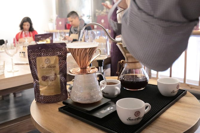 1.5-Hours Cartagena Private Coffee Tasting with Honey Pairing