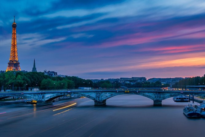 Seine River Cruise & French Crepe Tasting At The Foot of the Eiffel Tower