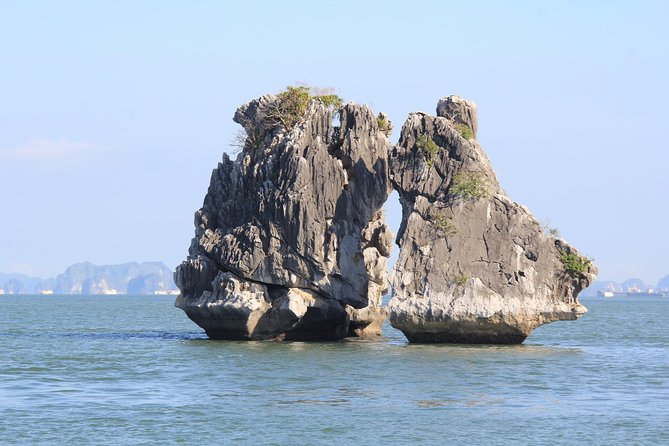 Halong bay Full Day Trip from Hanoi: Kayaking, Swimming, Titop island & Lunch photo 7