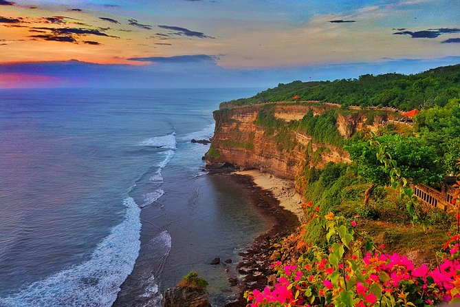 Half-Day Tour to Exploring Uluwatu, Kecak Dance and Seafood Dinner in Jimbaran