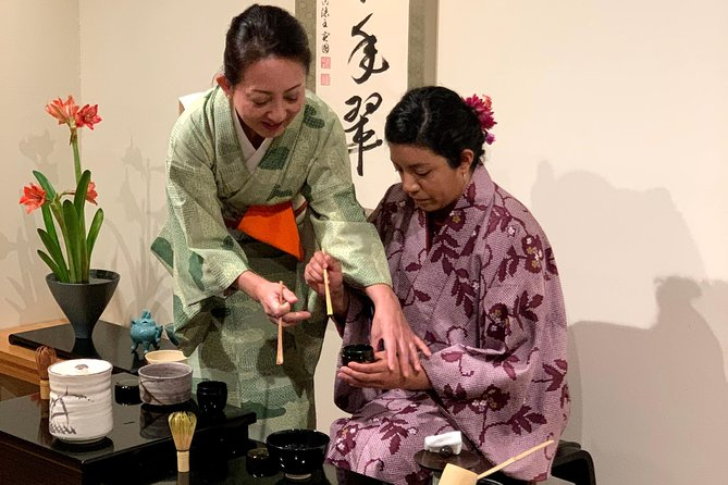 Tea Ceremony in Kimono with qualified Tea master at the center of Kyoto