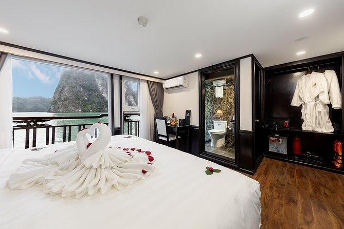 Romantic Honey Suite Cabin With Luxury Halong Bay Overnight Cruise