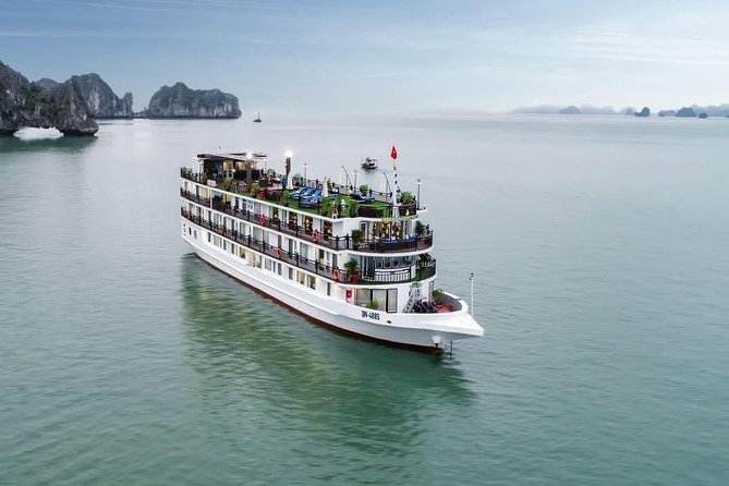 Best Luxury Overnight Cruise in Halong Bay with Full Activities
