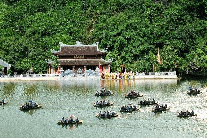 MEMORABLE Day In Ninh Binh ALL INCLUSIVE: Hoa Lu, Tam Coc, Mua Cave, Trang An