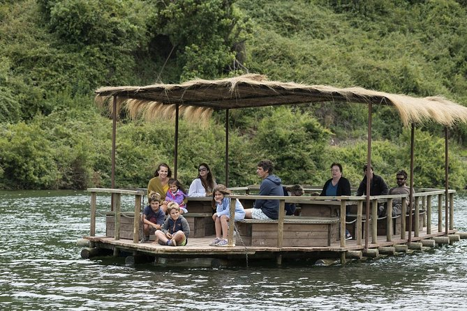 Tour to Parque Tricao + Aviario and Pomaire full day from Santiago