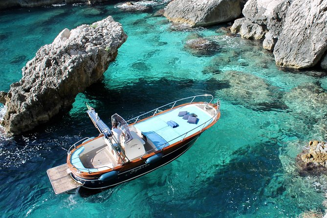 Private boat trip to Capri