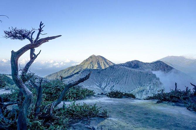 3D2N - Mount Bromo and Kawah Ijen Crater // D1 22.30 - D3 18.00