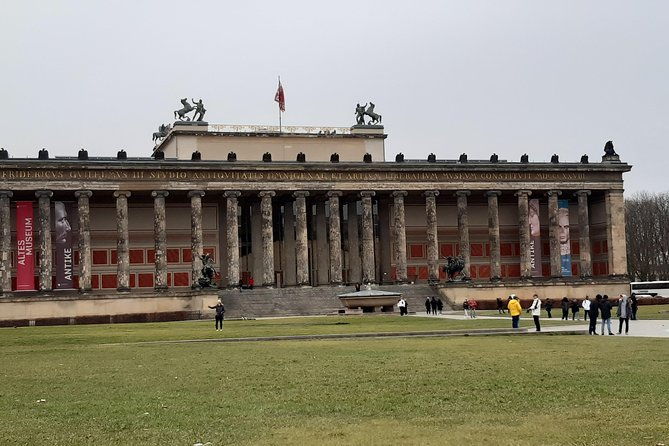 Transfer to Berlin and afternoon visit with dinner in a restaurant