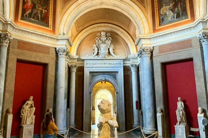 Sistine Chapel and Vatican Museums guided tour photo 2