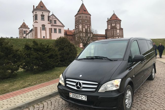 Private Sightseeing Tour to Mir Castle by Minivan with English-speaking Driver