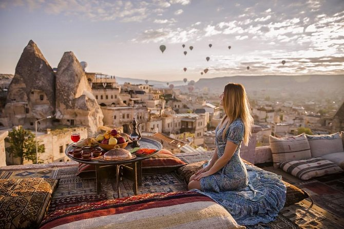 Deal Package to Cappadocia Experiences : Green-South Tour & Hot Air Balloon Ride
