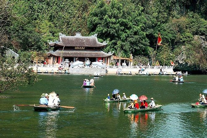 Perfume Pagoda 1 Day Tour (Chùa Hương)