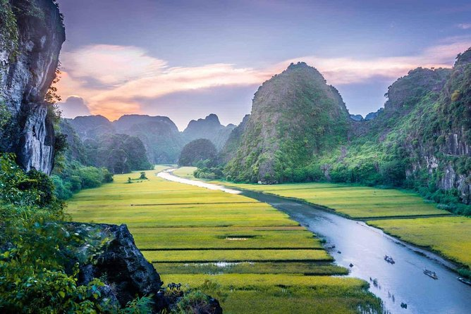 Hoa Lu - Tam Coc - Bai Dinh - Trang An 2 Days 1 Night Tour
