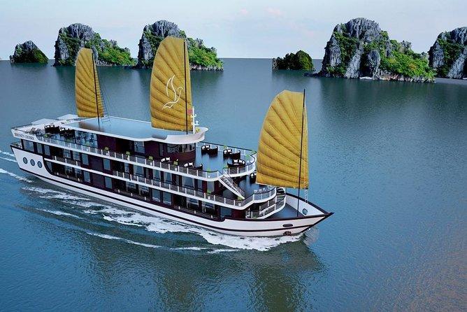 Lan Ha bay Luxury Cruise 2D/1N: Kayaking & Swimming at pristine places, meals