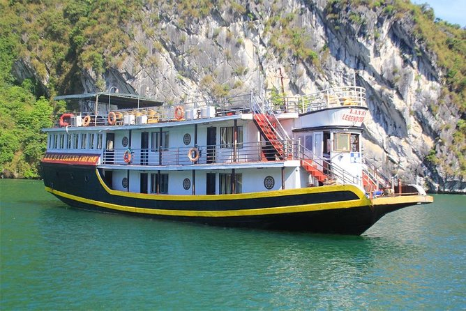 Lan Ha Bay Deluxe Cruise 2D/1N: Kayaking, Swimming at pristine places & meals