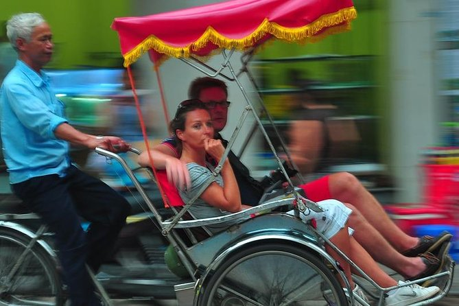 Private tour - Half-Day Water Puppet Show and Hanoi by Rickshaw