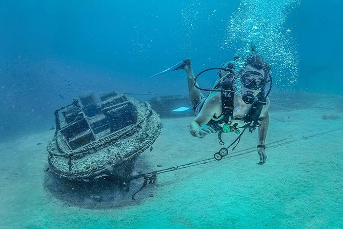 Diving in Las Caletas